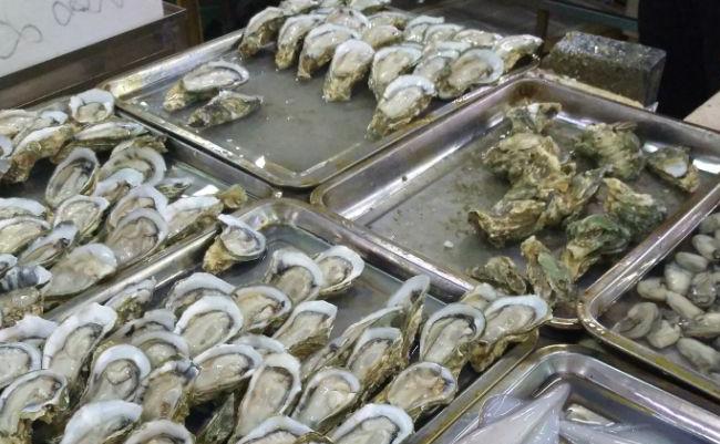 万博体育app手机登陆第一市场吃海鲜