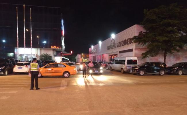 万人海鲜广场 停车场